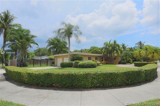 10295 SW 124th St, Miami, FL 33176 (MLS #A10690856) :: EWM Realty International