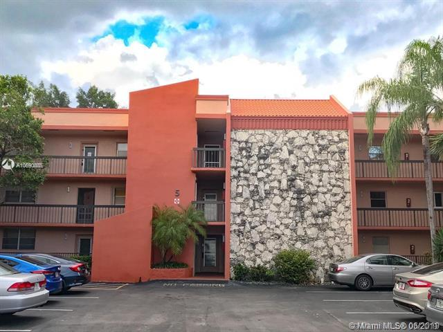 3180 Holiday Springs Blvd 5-208, Margate, FL 33063 (MLS #A10690885) :: Grove Properties