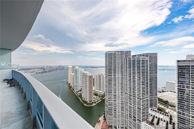 200 Biscayne Blvd Way #5104, Miami, FL 33131 (MLS #A10691044) :: Ray De Leon with One Sotheby's International Realty