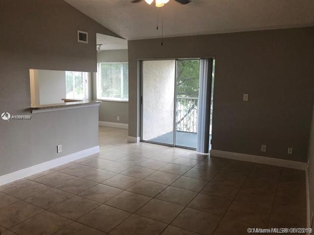 5628 Rock Island Rd #193, Tamarac, FL 33319 (MLS #A10691089) :: Grove Properties