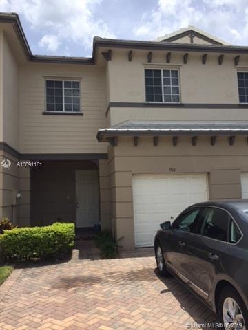 958 Tortuga Ln, Riviera Beach, FL 33404 (MLS #A10691181) :: The Brickell Scoop