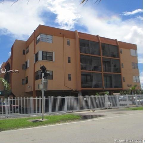 6831 W 14th Ct #210, Hialeah, FL 33014 (MLS #A10691208) :: Green Realty Properties