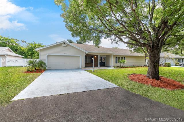 14551 SW 152nd Ct, Miami, FL 33196 (MLS #A10691361) :: EWM Realty International