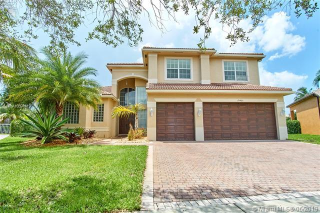 19425 SW 41st St, Miramar, FL 33029 (MLS #A10691419) :: RE/MAX Presidential Real Estate Group