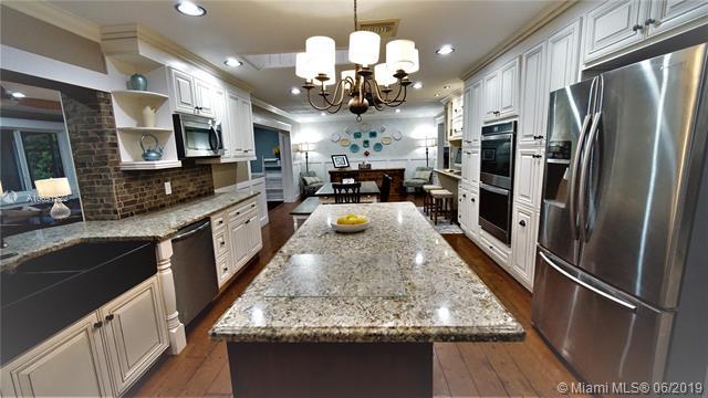 2630 SW 137th Ter, Davie, FL 33330 (MLS #A10691522) :: Green Realty Properties
