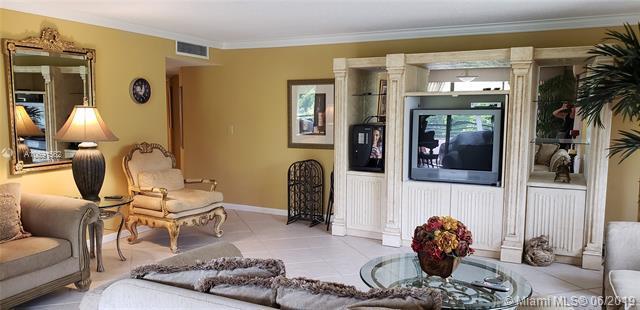 1490 Sheridan St 20A, Hollywood, FL 33020 (MLS #A10691562) :: EWM Realty International