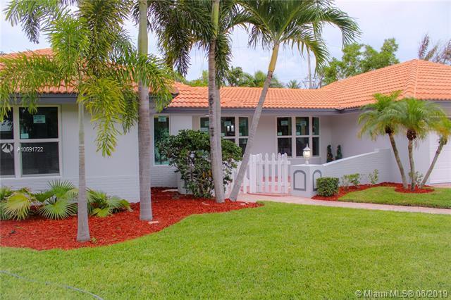 2142 NE 56th Pl, Fort Lauderdale, FL 33308 (MLS #A10691722) :: Grove Properties