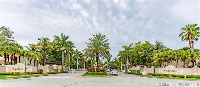 2555 SW 85th Ave #102, Miramar, FL 33025 (MLS #A10691804) :: Laurie Finkelstein Reader Team