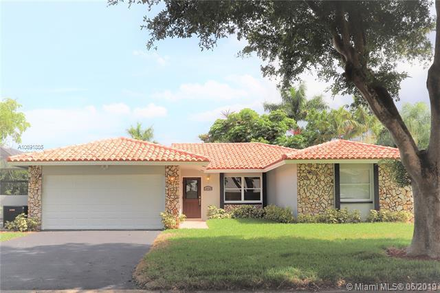 10722 NW 17th Mnr, Coral Springs, FL 33071 (MLS #A10691855) :: United Realty Group