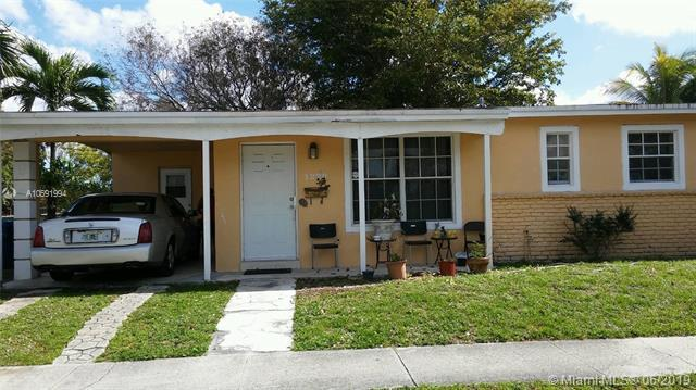 1220 NW 47th Ave, Lauderhill, FL 33313 (MLS #A10691994) :: The Riley Smith Group