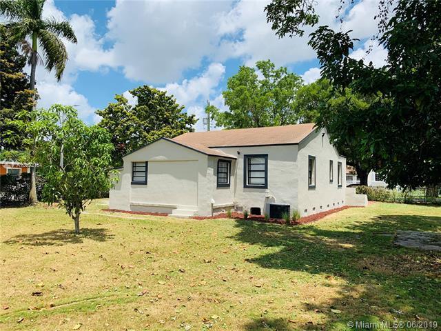 1394 NW 42nd St, Miami, FL 33142 (MLS #A10692184) :: Miami Villa Group