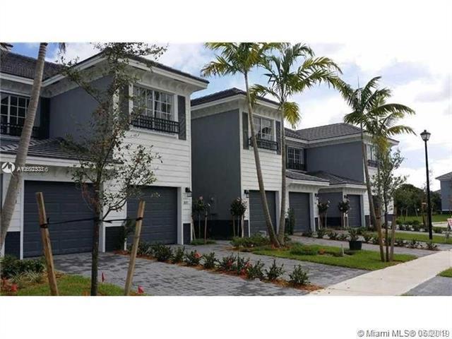 3524 NW 13th St, Lauderhill, FL 33311 (MLS #A10692303) :: The Teri Arbogast Team at Keller Williams Partners SW