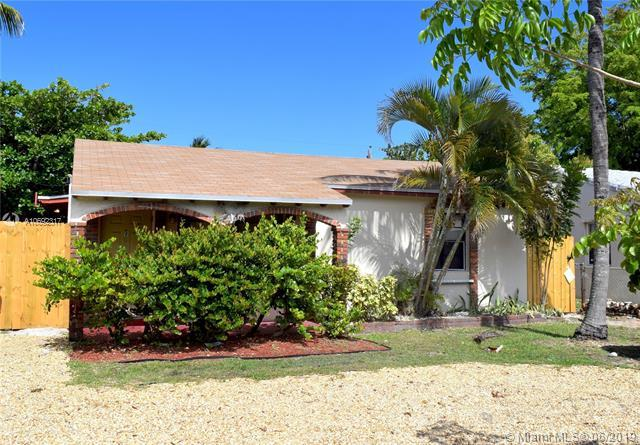 1344 NW 1st Ave, Fort Lauderdale, FL 33311 (MLS #A10692317) :: The Teri Arbogast Team at Keller Williams Partners SW