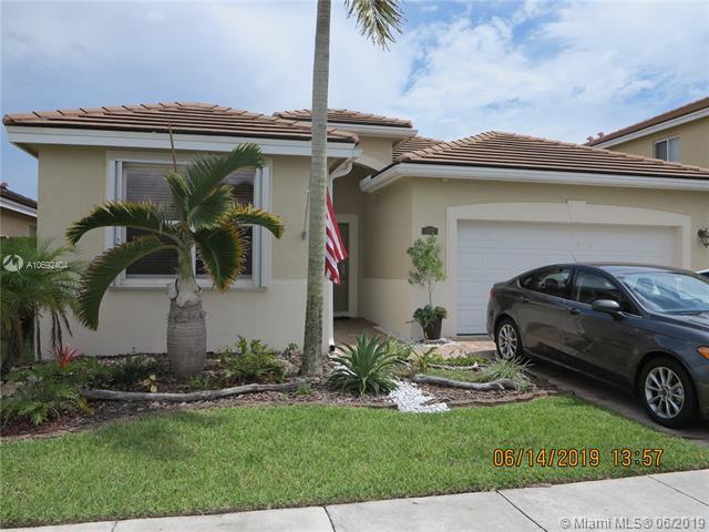 3432 NE 2nd St, Homestead, FL 33033 (MLS #A10692404) :: The Kurz Team