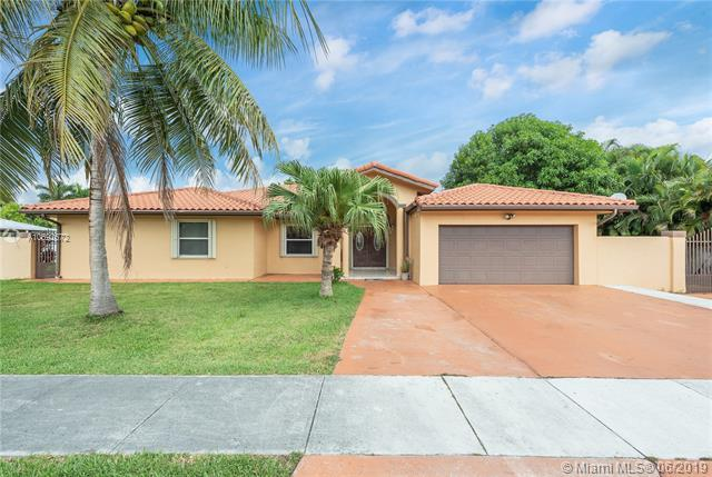 12725 SW 189th St, Miami, FL 33177 (MLS #A10692572) :: The Jack Coden Group