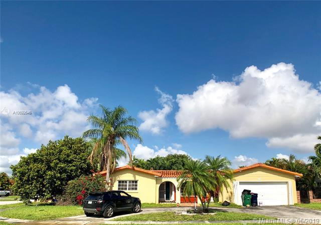 1834 SW 102 CT, Miami, FL 33165 (MLS #A10692646) :: The Brickell Scoop