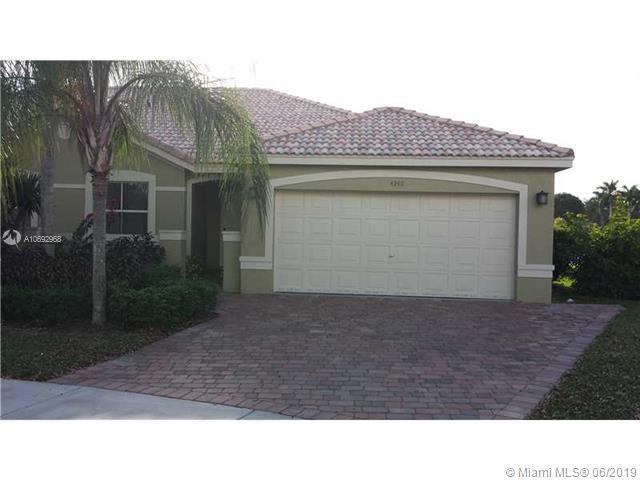 4240 4240 PINE RIDGE CT, Weston, FL 33331 (MLS #A10692968) :: The Brickell Scoop
