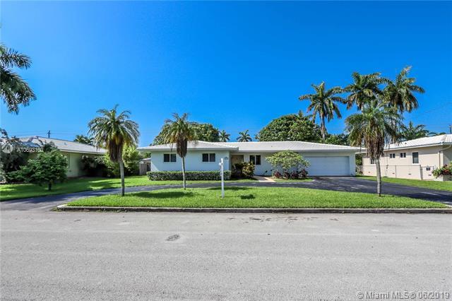 1230 Adams St, Hollywood, FL 33019 (MLS #A10693100) :: GK Realty Group LLC
