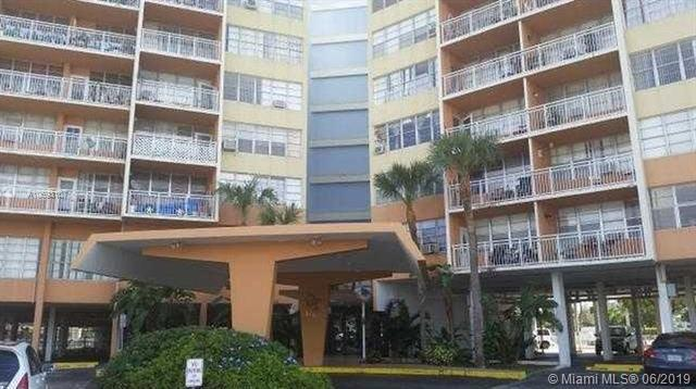 2025 NE 164th St #202, North Miami Beach, FL 33162 (MLS #A10693107) :: The Paiz Group