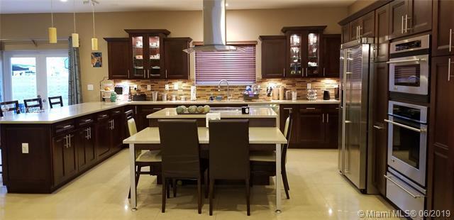 9235 SW 46th Ter, Miami, FL 33165 (MLS #A10693204) :: Castelli Real Estate Services