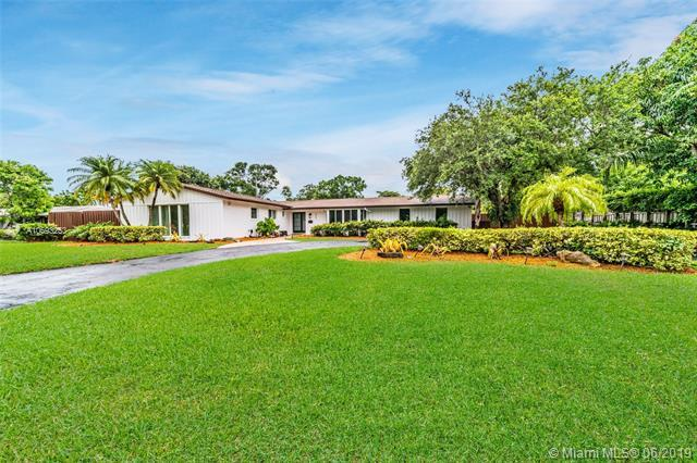 8520 SW 151st St, Palmetto Bay, FL 33158 (MLS #A10693253) :: Grove Properties