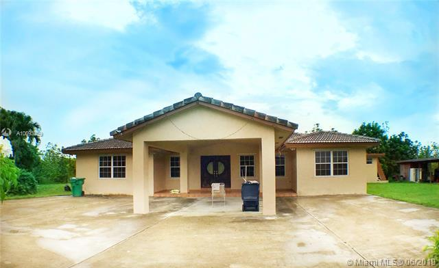 22650 SW 274th St, Homestead, FL 33031 (MLS #A10693259) :: Green Realty Properties