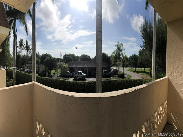 14500 SW 88th Ave #217, Palmetto Bay, FL 33176 (MLS #A10693539) :: The Adrian Foley Group