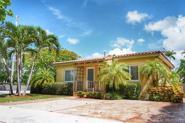 6291 SW 42nd St, South Miami, FL 33155 (MLS #A10693680) :: The Riley Smith Group