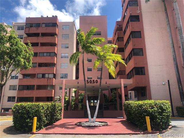 5050 NW 7 St #118, Miami, FL 33126 (MLS #A10693714) :: RE/MAX Presidential Real Estate Group