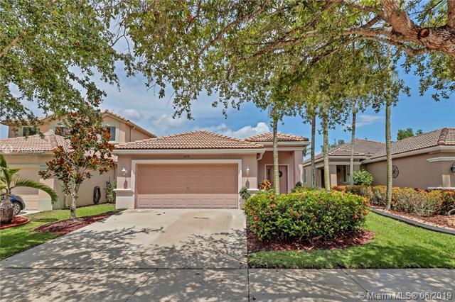 279 Conservation Dr, Weston, FL 33327 (MLS #A10693824) :: The Teri Arbogast Team at Keller Williams Partners SW