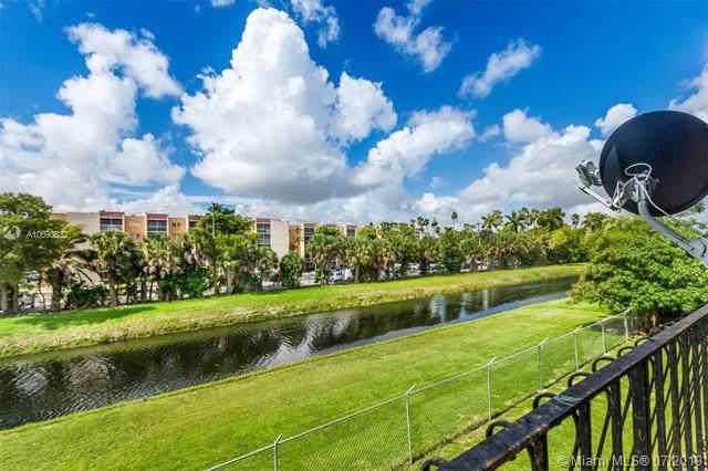 1300 W 53rd St #32, Hialeah, FL 33012 (MLS #A10693832) :: The Adrian Foley Group