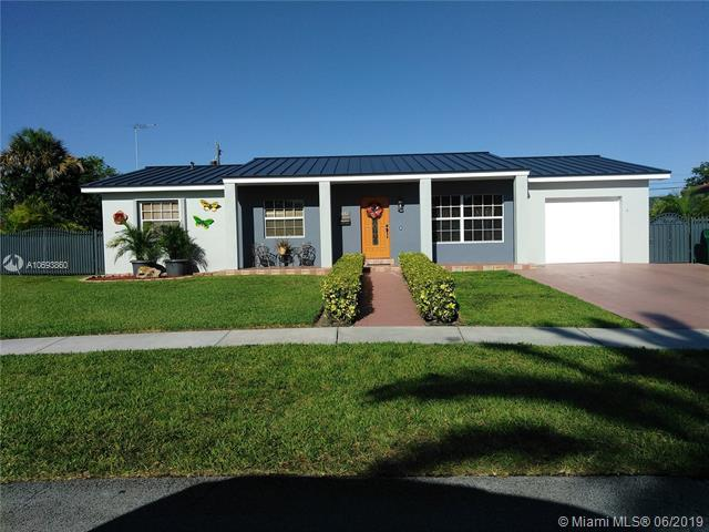 2032 SW 98th Pl, Miami, FL 33165 (MLS #A10693860) :: Green Realty Properties