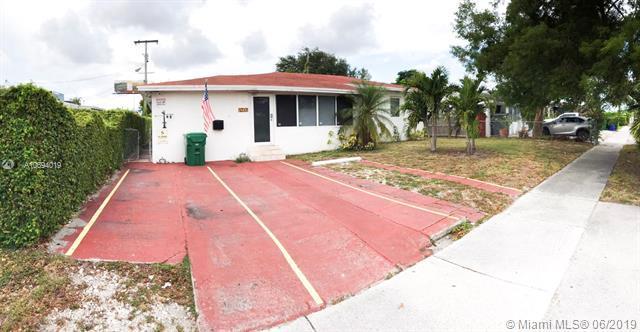 4111 NW 5th St, Miami, FL 33126 (MLS #A10694019) :: Grove Properties