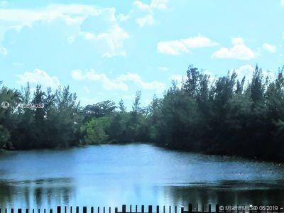 20031 W Oak Haven Cir, Miami, FL 33179 (MLS #A10694030) :: The Jack Coden Group
