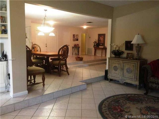 11861 NW 26th St, Plantation, FL 33323 (MLS #A10694411) :: Grove Properties