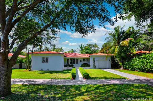 520 San Antonio Ave, Coral Gables, FL 33146 (MLS #A10694476) :: Laurie Finkelstein Reader Team