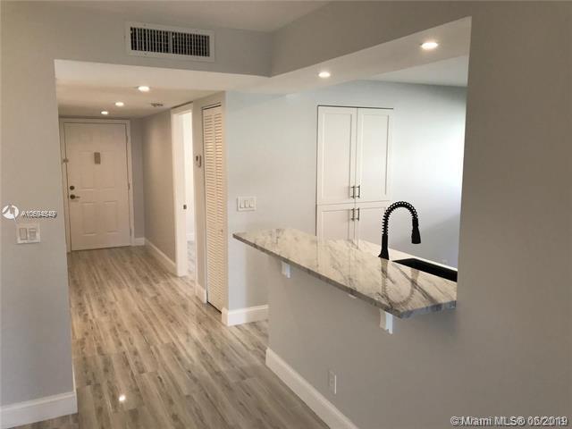 15234 Lakes Of Delray Blvd #256, Delray Beach, FL 33484 (MLS #A10694549) :: Berkshire Hathaway HomeServices EWM Realty