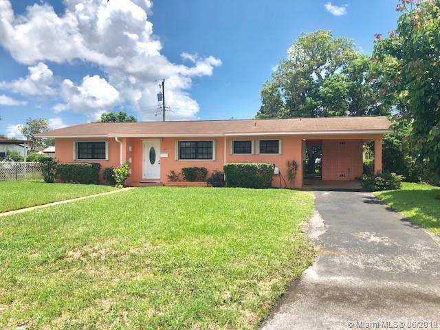 3812 NW 176th Ter, Miami Gardens, FL 33055 (MLS #A10694551) :: Grove Properties