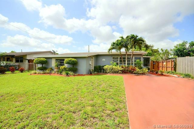 6450 Perry St, Hollywood, FL 33024 (MLS #A10694569) :: Grove Properties