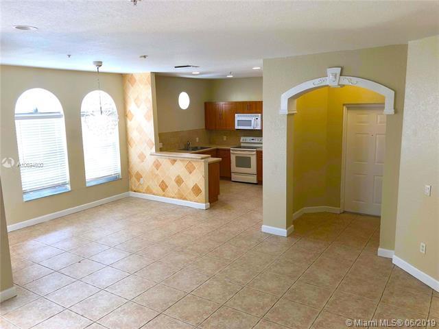 4405 SW 160th Ave #106, Miramar, FL 33027 (MLS #A10694600) :: Green Realty Properties