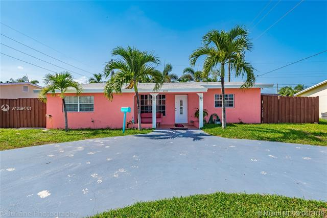 1511 NE 34th St, Pompano Beach, FL 33064 (MLS #A10694781) :: Castelli Real Estate Services