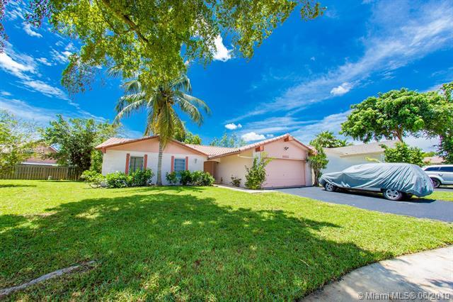 9320 NW 39th St, Sunrise, FL 33351 (MLS #A10694864) :: The Riley Smith Group