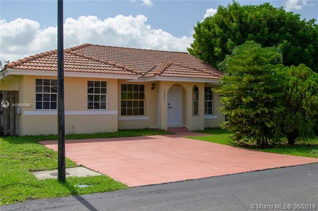 18801 NW 84th Ave, Hialeah, FL 33015 (MLS #A10694895) :: Laurie Finkelstein Reader Team