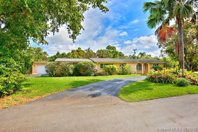 8335 SW 149th Dr, Palmetto Bay, FL 33158 (MLS #A10694936) :: Berkshire Hathaway HomeServices EWM Realty