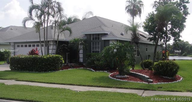 49 Heather Cove Dr, Boynton Beach, FL 33436 (MLS #A10695037) :: Green Realty Properties