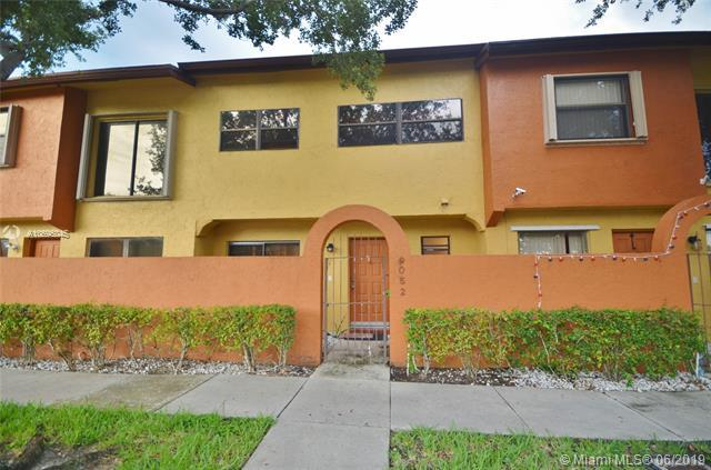 9052 NW 45th Ct #9052, Sunrise, FL 33351 (MLS #A10695045) :: The Riley Smith Group