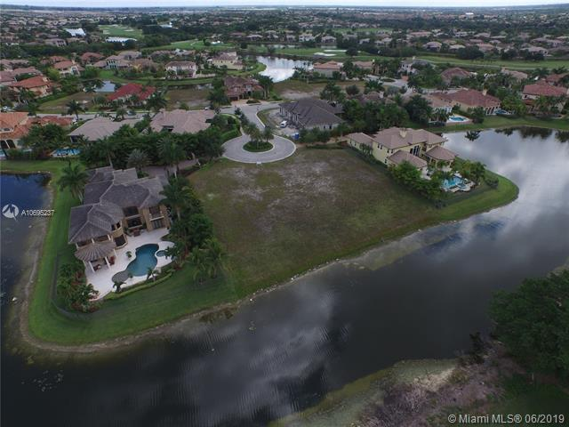 12060 NW 67 CT, Parkland, FL 33076 (MLS #A10695237) :: The Brickell Scoop