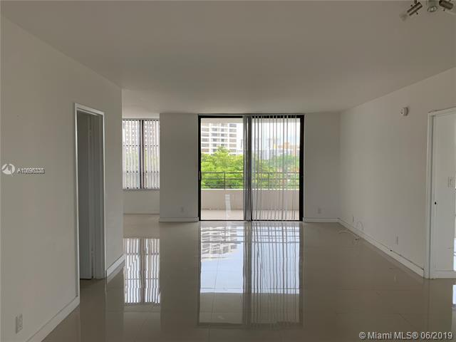 500 Three Islands Blvd #223, Hallandale, FL 33009 (MLS #A10695338) :: United Realty Group
