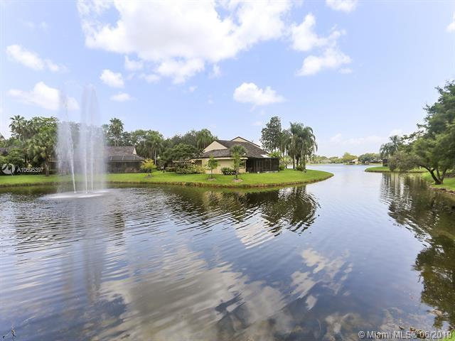 9341 S Chelsea Drive, Plantation, FL 33324 (MLS #A10695397) :: The Jack Coden Group