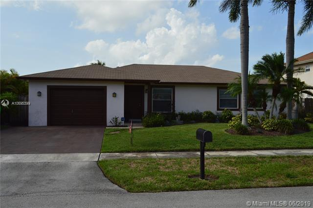 9921 NW 46th Ct, Sunrise, FL 33351 (MLS #A10695399) :: The Riley Smith Group